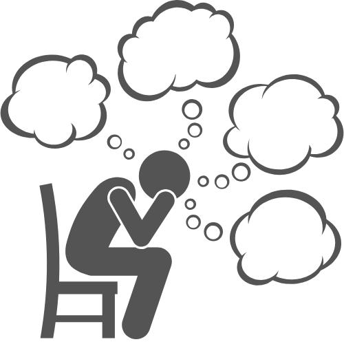 Mann der viel Stress hat und Gedankenwolken