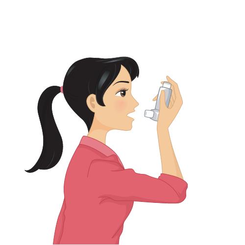 eine Frau im roten Oberteil und mit dunklen Haaren benutzt einen Inhalator