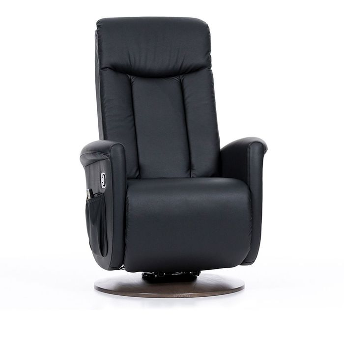 Ein schwarzer leder Sessel mit einer sehr großen Rückenlehne vor einem weißen Hintergrund. Der Sessel steht auf einer runden Basis.