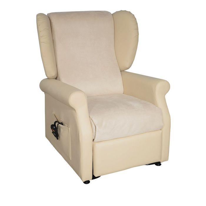 Ein weißfarbender Sessel vor einem weißen Hintergrund. Der Sessel ist viereckig und steht auf Rollen.